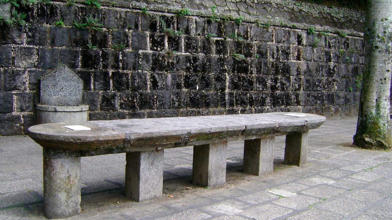 tijuca-forest-emperor-table-07